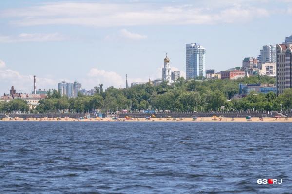 Песочная полоса на пляжах города в этом году немного шире, чем в 2018-м