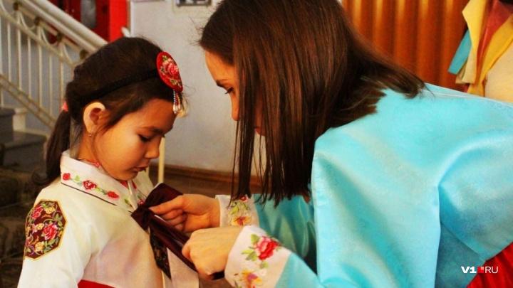 Поесть пельменей и станцевать под национальные барабаны: волгоградцев зовут на корейский фестиваль