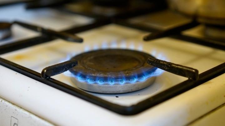 Непрофессиональный газовщик пришёл в квартиру омичей и устроил пожар