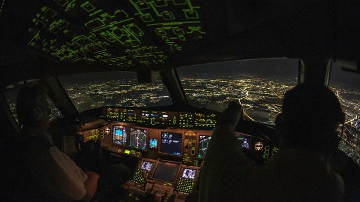 Летчик Леха, круживший над Кольцово, рассказал, как сажал самолет с отказавшим двигателем