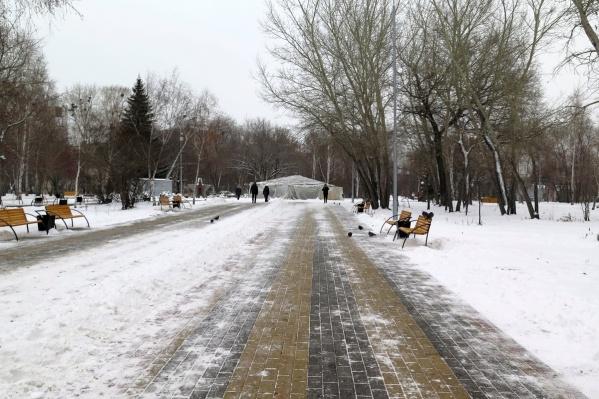 Закончить ремонт фонтана в парке Победы должны были 15 ноября