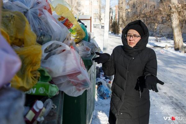 При завышенных платёжках за мусор волгоградцам придётся принести кучу справок в своё оправдание