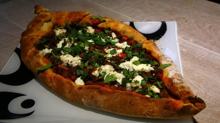Турецкая пицца: готовим мясной пирог пиде