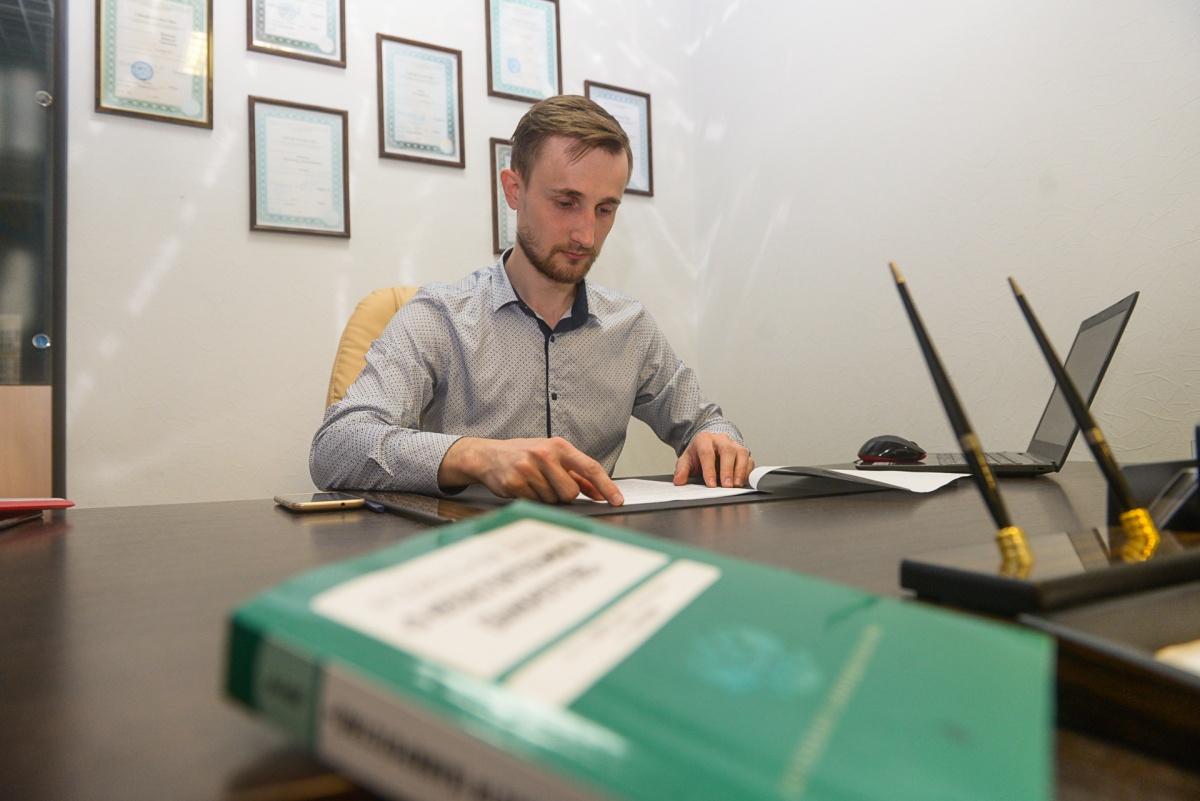 Для проведения процедуры банкротства стоит выбирать профессиональных, опытных юристов