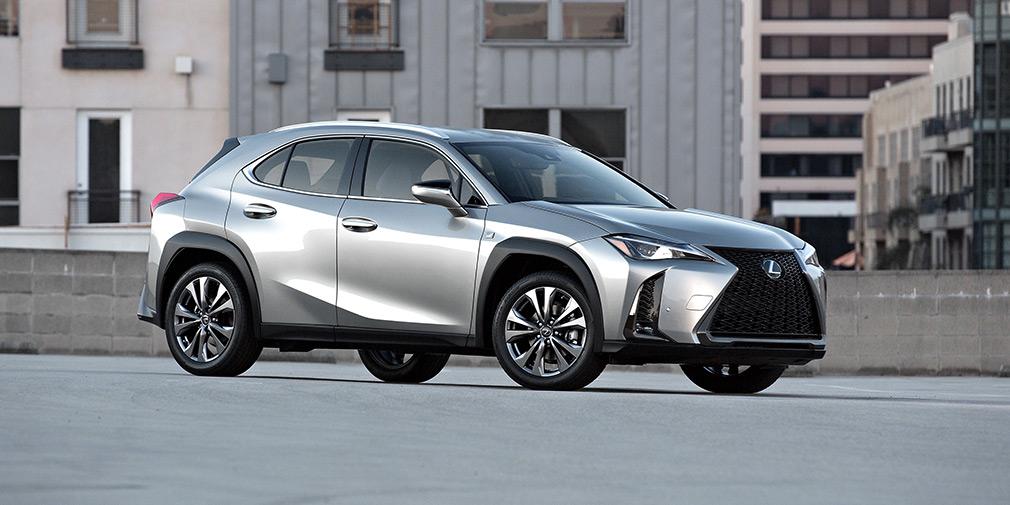 Lexus объявил о продажах своего самого дешевого кроссовера в России