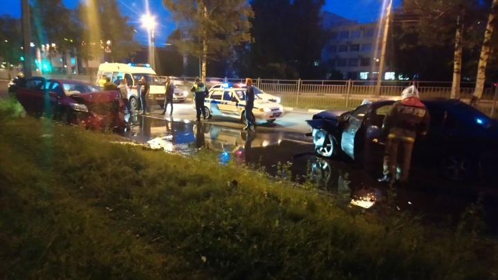 Нёсся по встречке и вылетел на тротуар: подробности двух серьёзных ДТП в Заволжском районе