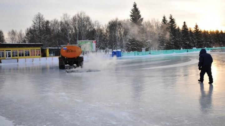 Зальют 20 гектаров льда: публикуем полный список катков в Екатеринбурге