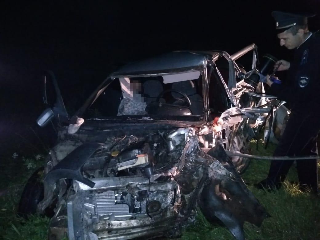 Водитель ВАЗа погиб на месте