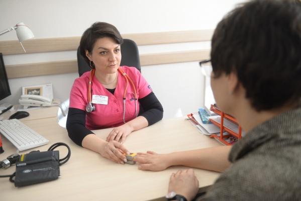 По словам Натальи Эсауловой, поствирусный синдром не может длиться больше двух недель, в противном случае нужно обязательно идти к врачу