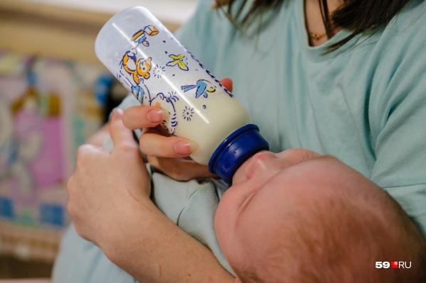 Рождение ребенка — большое событие в жизни семьи. Но как ему не навредить и во что можно верить?