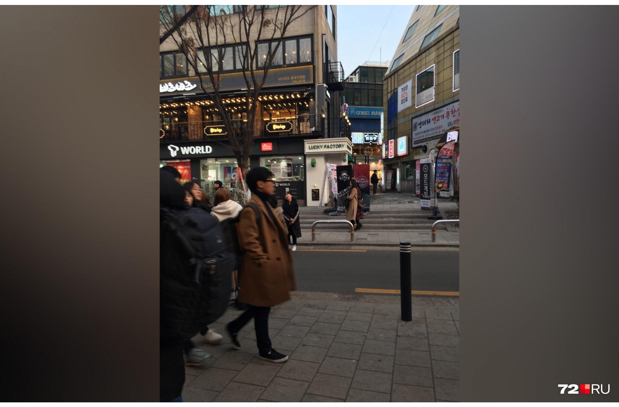 Жители Сеула отказываются носить шапки, зато с удовольствием надевают укороченные брюки в холодную погоду