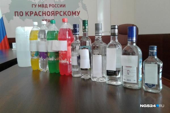 Как рассказали полицейские, определить подделку крепкого алкоголя намного проще, чем в слабоалкогольных напитках