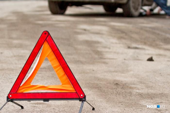 В Кемерово БТР протаранил «КИА Сид» на перекрёстке
