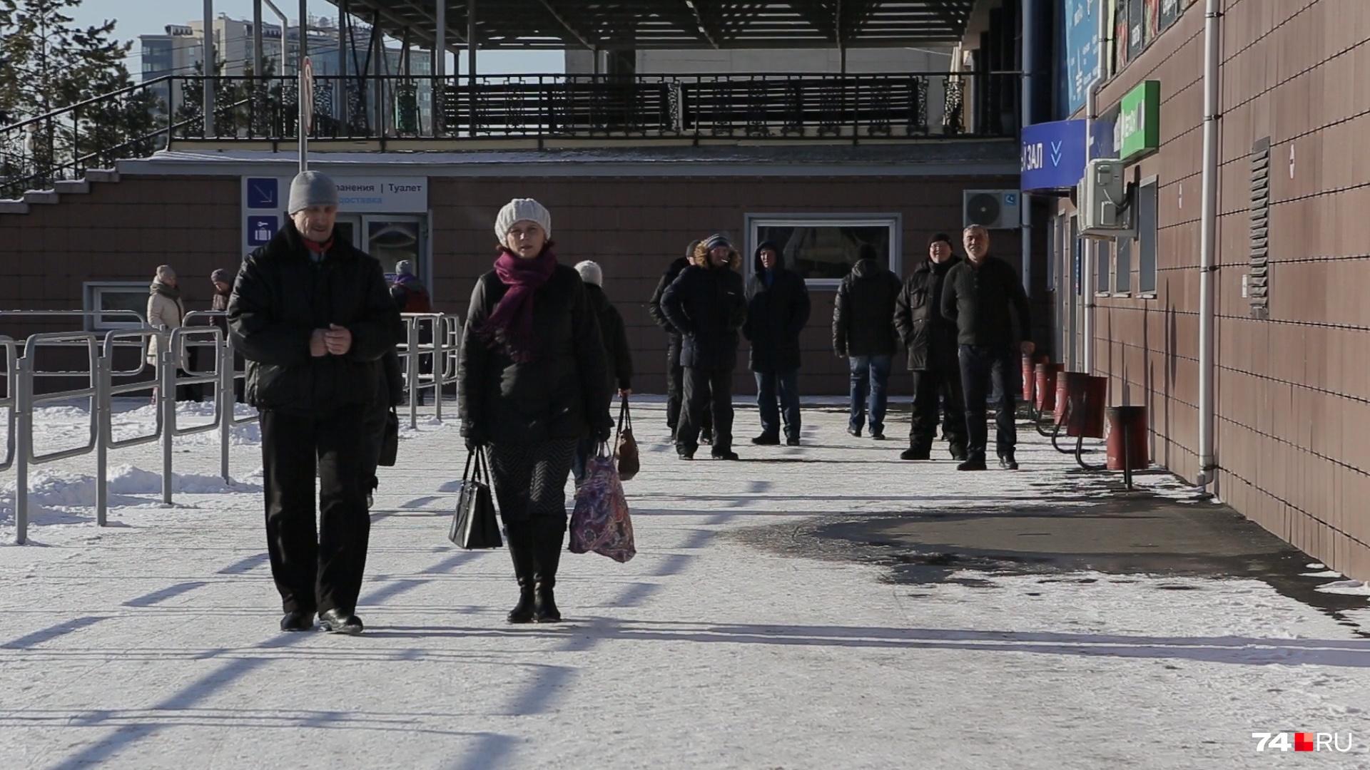 Часть Дворца спорта отошла в частные руки под автовокзал