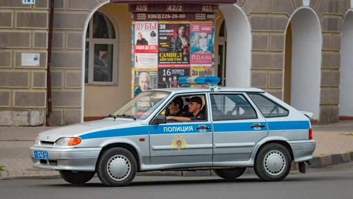 Жительницу Новошахтинска подозревают в краже крупной суммы у своей знакомой