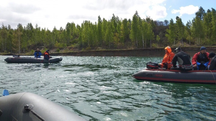 «Водолазов мало»: копейчане попросили привлечь дополнительные силы к поискам утонувшего подростка