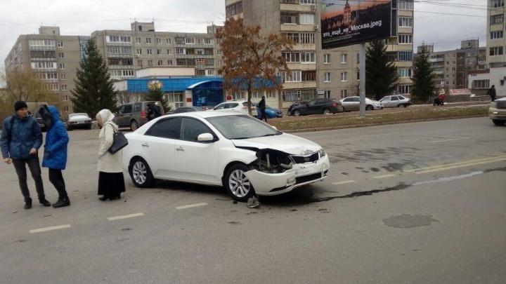 В Уфе Kia Cerato протаранила Audi