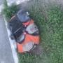 «Территорию оцепили»: челябинцев перепугал рюкзак с мигающим маячком на газоне