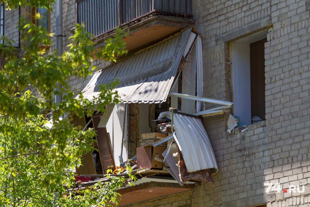 От взрыва балкон разнесло в клочья