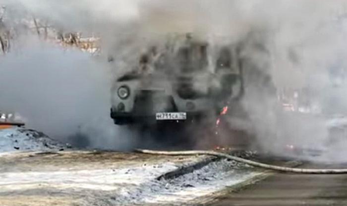 Этот УАЗ сгорел буквально за несколько минут