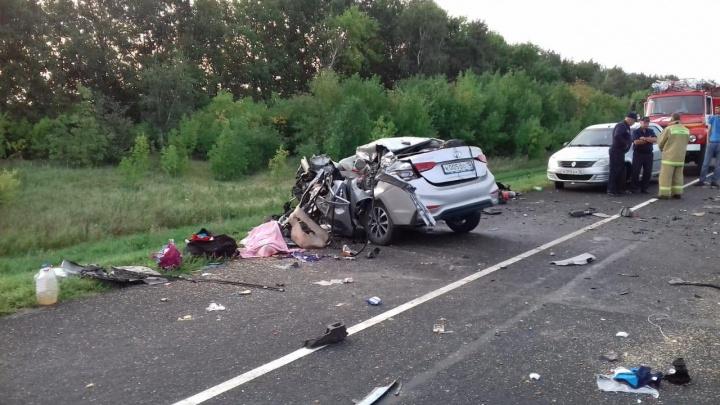 Скончались еще двое пострадавших в лобовом ДТП автобуса и легковушки на трассе Волгоград — Москва