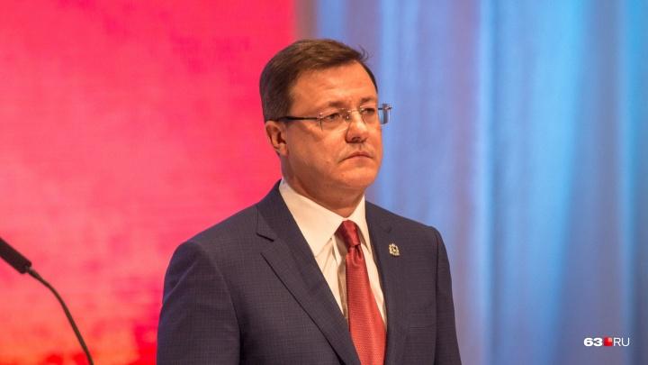 Азаров пообещал набрать новое правительство до конца октября