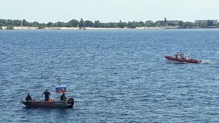 На набережной Волгограда утонул мужчина