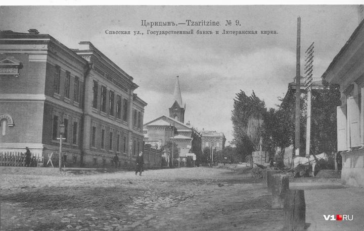 Депутаты и чиновники ещё в Советском союзе забрали здание себе