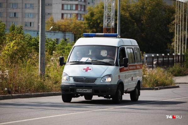 В райбольнице села Октябрьское по штатному расписанию должны трудиться семь фельдшеров скорой