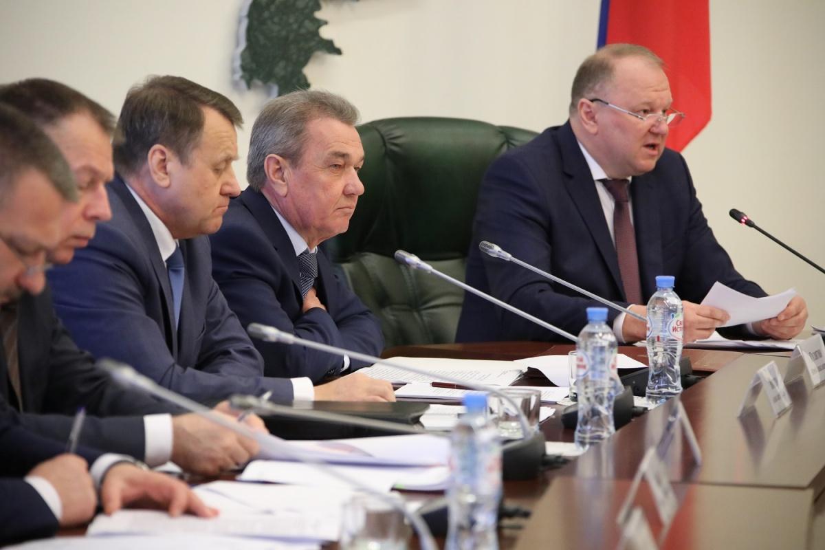 Справа — Николай Цуканов