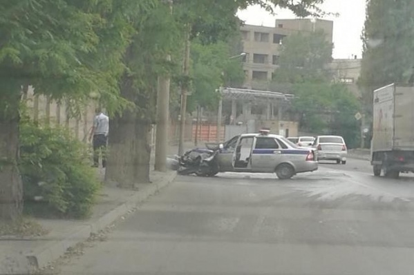 Полицейские попали в аварию на улице Страны Советов