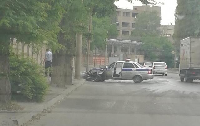 В Ростове инспекторы ДПС попали в аварию, гоняясь за нарушителем