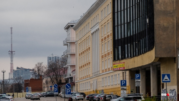 Конкурс на управление гостиницей в бывшем ВКИУ выиграла AZIMUT Hotels