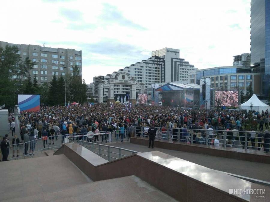 Красноярца задержали за запуск квадрокоптера наконцерте коДню Российской Федерации