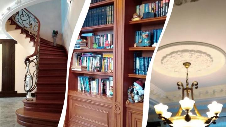 Камин, кинозал и витражи: разглядываем комнаты в квартире в Уфе за 36 000 000 рублей