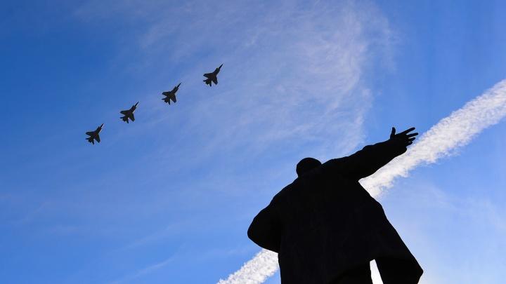 Самолетов не будет: Минобороны отказало Екатеринбургу в воздушном шоу на параде Победы