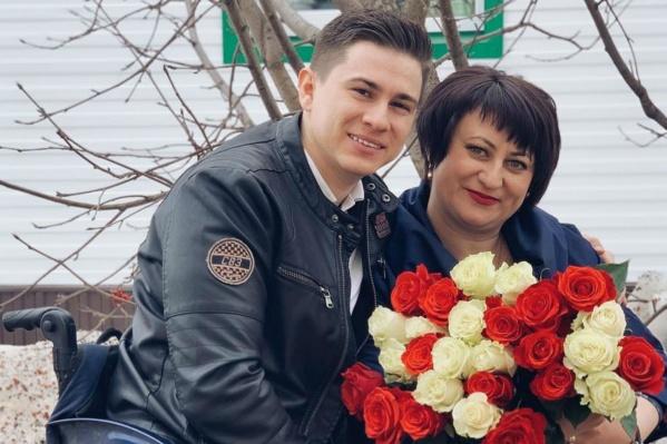 «Человек, который поставил меня на ноги»: так Рустам Набиев отозвался о жене своего отца