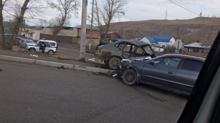 Студенты убегали от ГИБДД на угнанном «Москвиче» и устроили ДТП, в котором сами пострадали