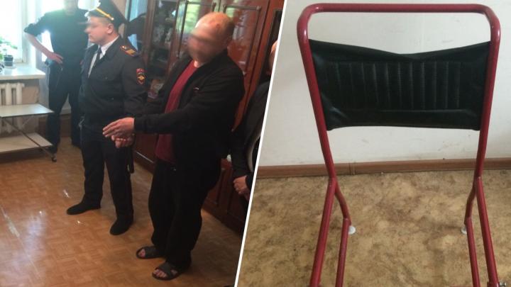 В Тюмени вынесли приговор сыну, который жестоко убил больную мать стулом