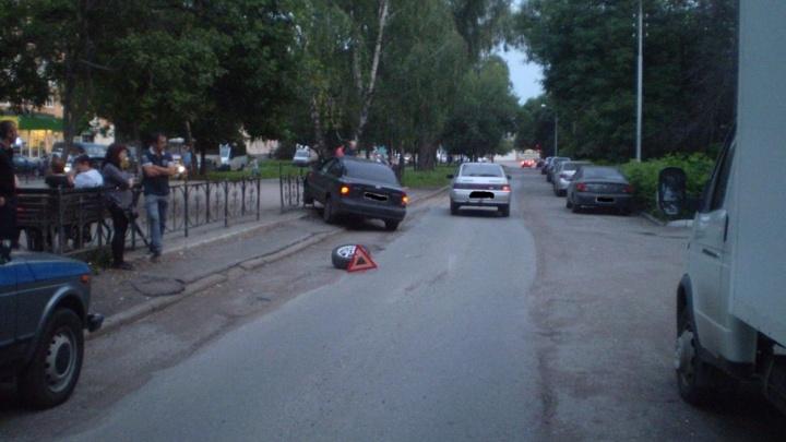 В Уфе иномарка сбила 4-летнюю девочку, гулявшую с выпившим мужчиной