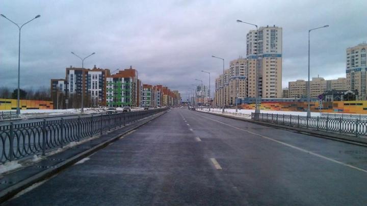 По проспекту Академика Сахарова спустя год после строительства запустили движение