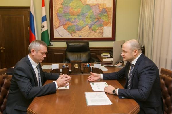 В ноябре прошлого года Травников и Тишуров обсудили вопросы кредитования агропромышленного комплекса<br>