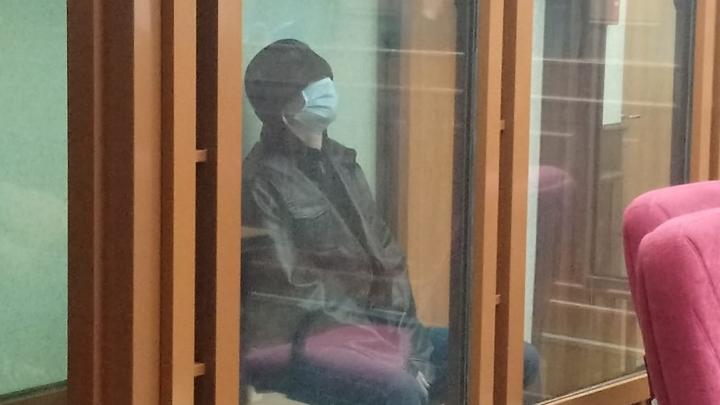 Рецидивисту вынесли приговор за нападения на продавцов в Челябинске и убийство девочки и женщины