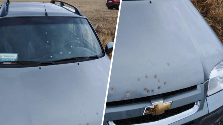 В Челябинской области браконьер обстрелял машину сотрудника охотнадзора