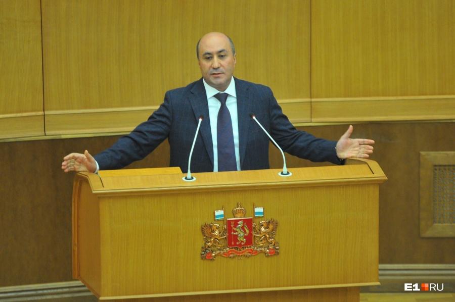 Генпрокуратура через суд требует отнять мандатов ряд депутатов свердловского Заксобрания