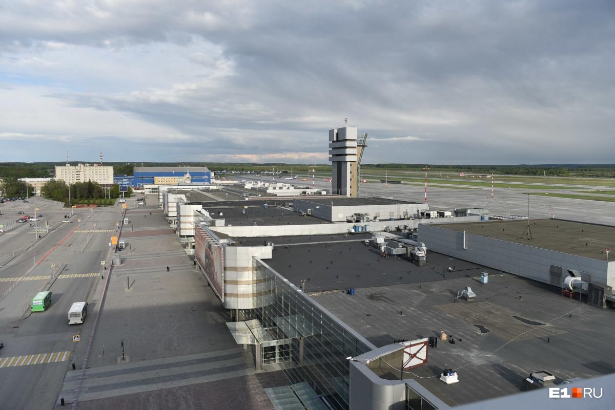 Так выглядит аэропорт с высоты отеля