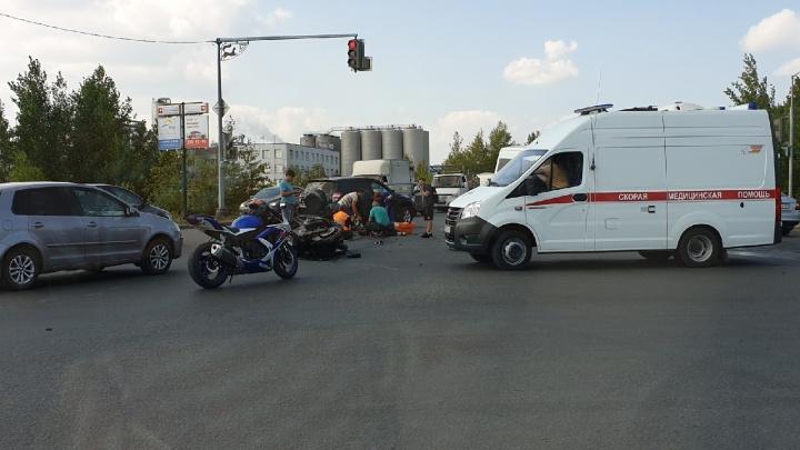 В Уфе «Газель» столкнулась с мотоциклом: пострадал байкер