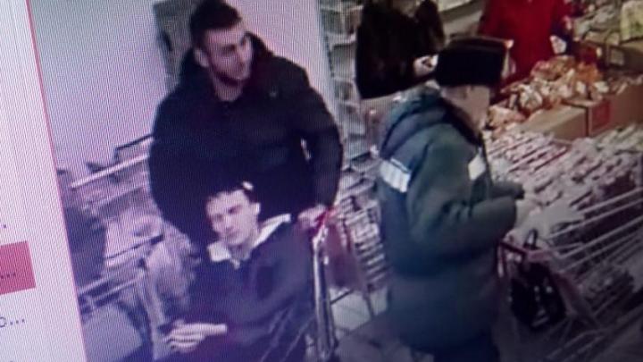 В Новоуральске полицейские нашли боксеров, избивших подростка из-за бутылки минералки