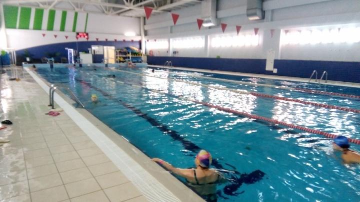 В Прикамье ввели запрет на купание детей в бассейнах. С чем это связано?