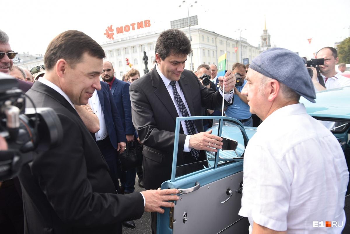 Губернатор Куйвашев и мэр Высокинский оценили машину Шахрина